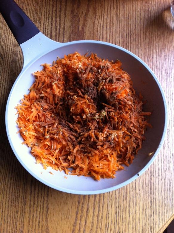 zanahorias ralladas con mantequilla y especias